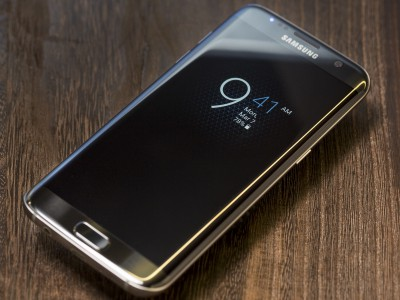Samsung Galaxy S7 Edge ������ � ����� �����