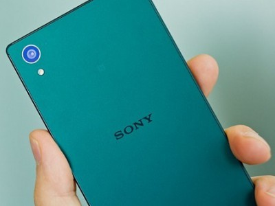 ������� Sony Xperia Z5 �������� ����������� �� Android 6.0
