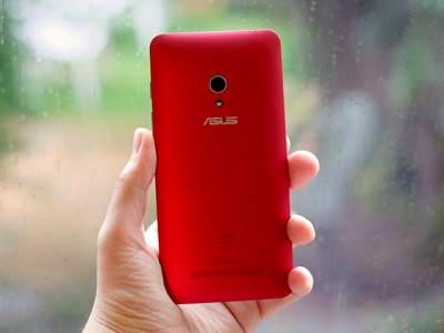 Asus �������� ������� ZenFone �� Android 4.4 KitKat