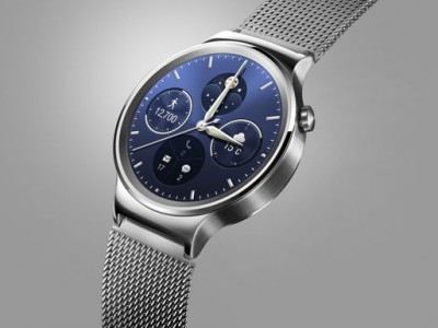 Huawei Watch ����� ������� �����-������ �������� �� ���� Android Wear